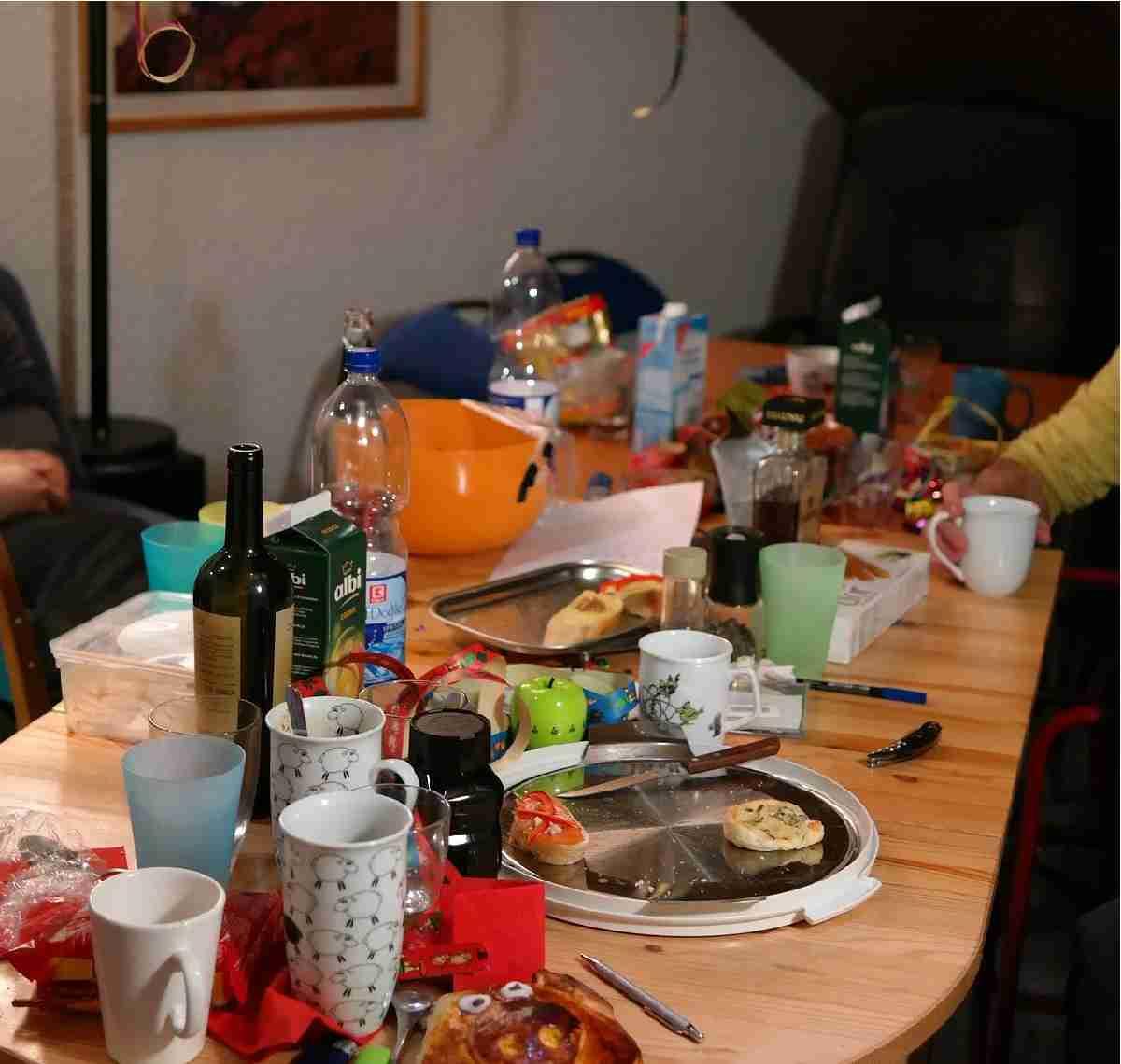 Арендаторы довели квартиру до ручки, но дочь отказывается их выселять