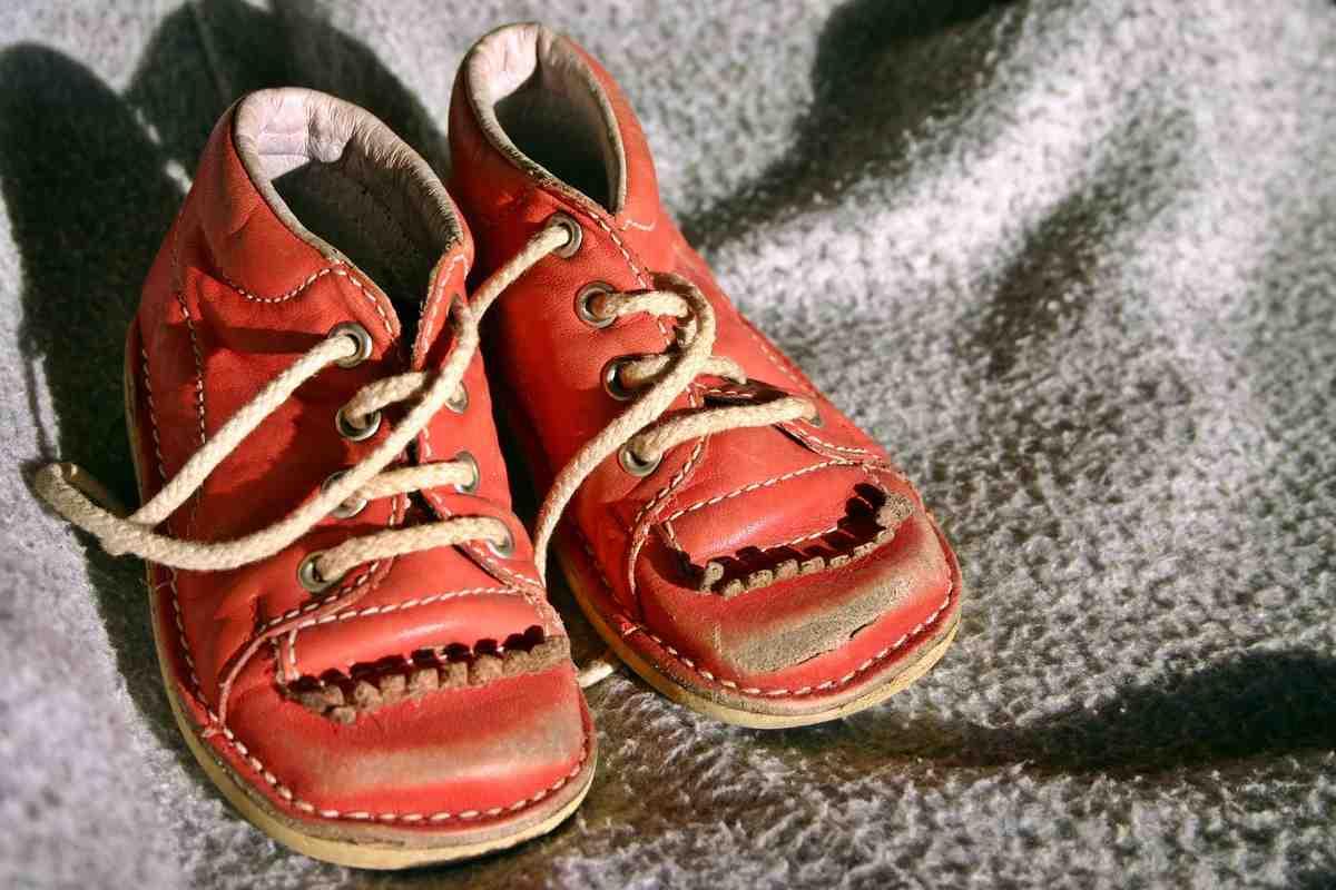 «Единственному сыну притащил пакет старой обуви от своей сестры!»
