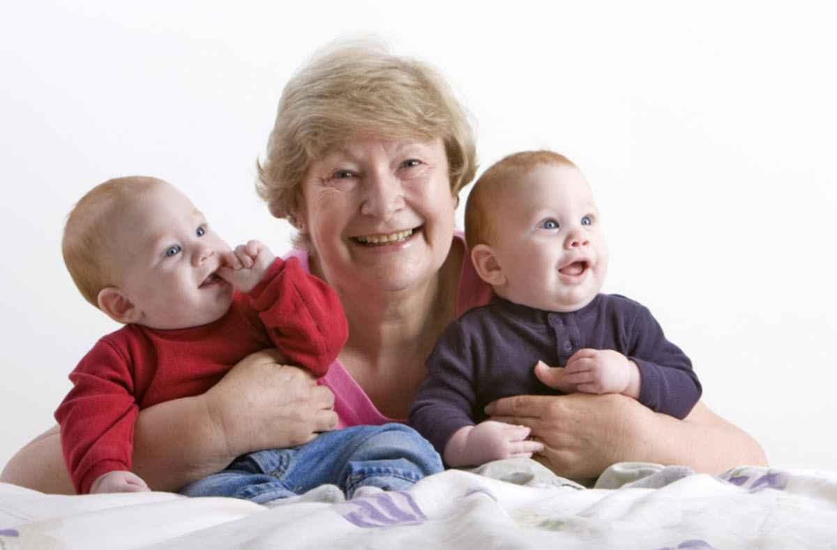 Не помогают с внуками те, кто не любит своих детей?