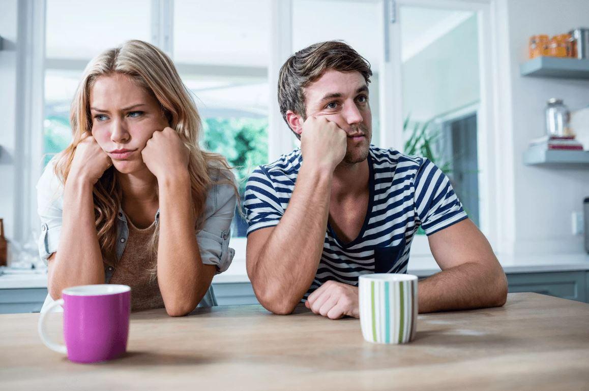 Что ни начнет рассказывать мужу, ему все скучно. «Хоть бы хобби какое-нибудь завела», – говорит муж. Но поможет ли это?