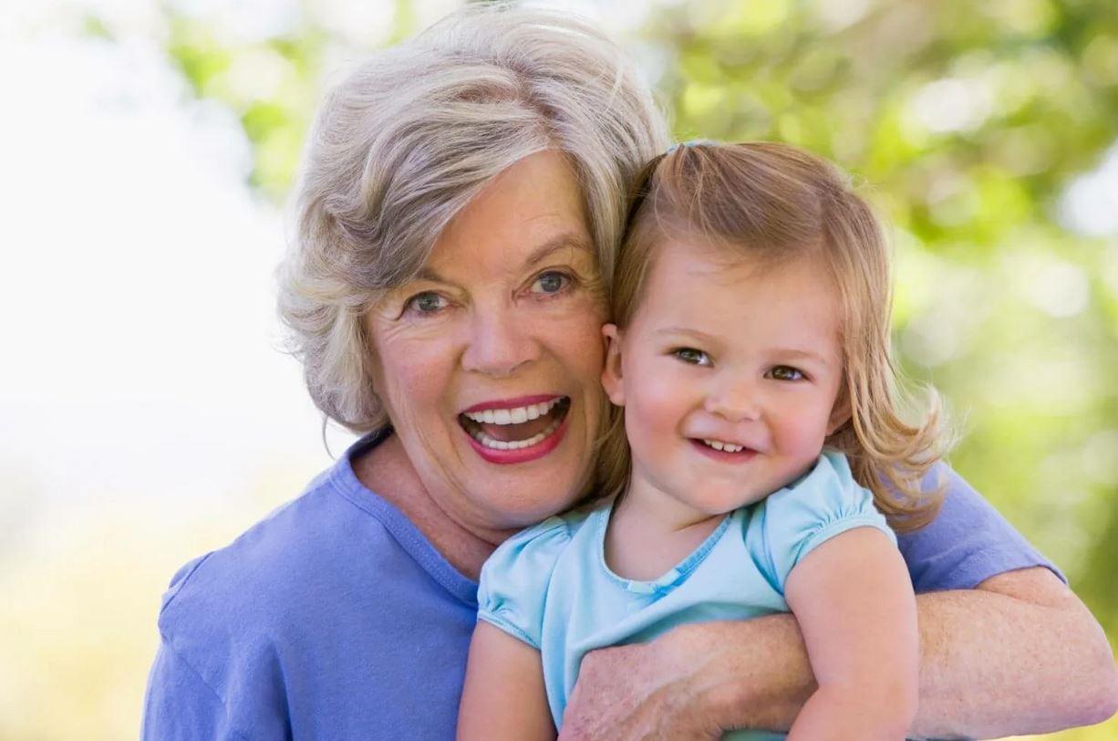 «Гордости у тебя нет: пускаешь бывшую свекровь к ребенку!» – выговаривает дочери мать