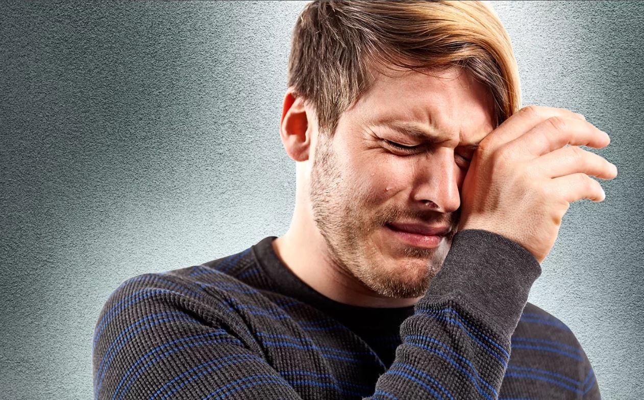И это называется «по блату»! Тесть сына устроил его на такую работу, что тот слезами плачет: «Я там не смогу!»