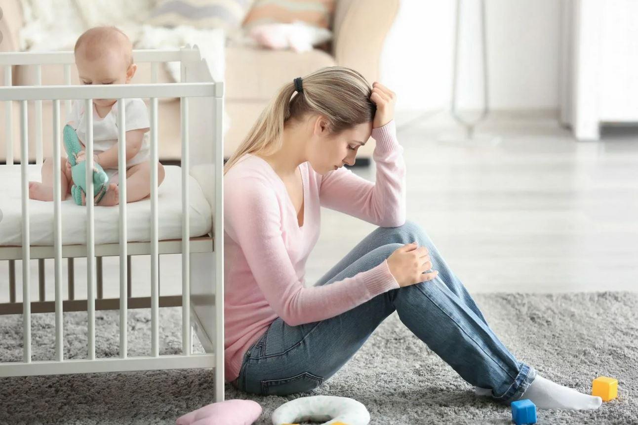 «Мама умоляла родить, а теперь ей внук не нужен»