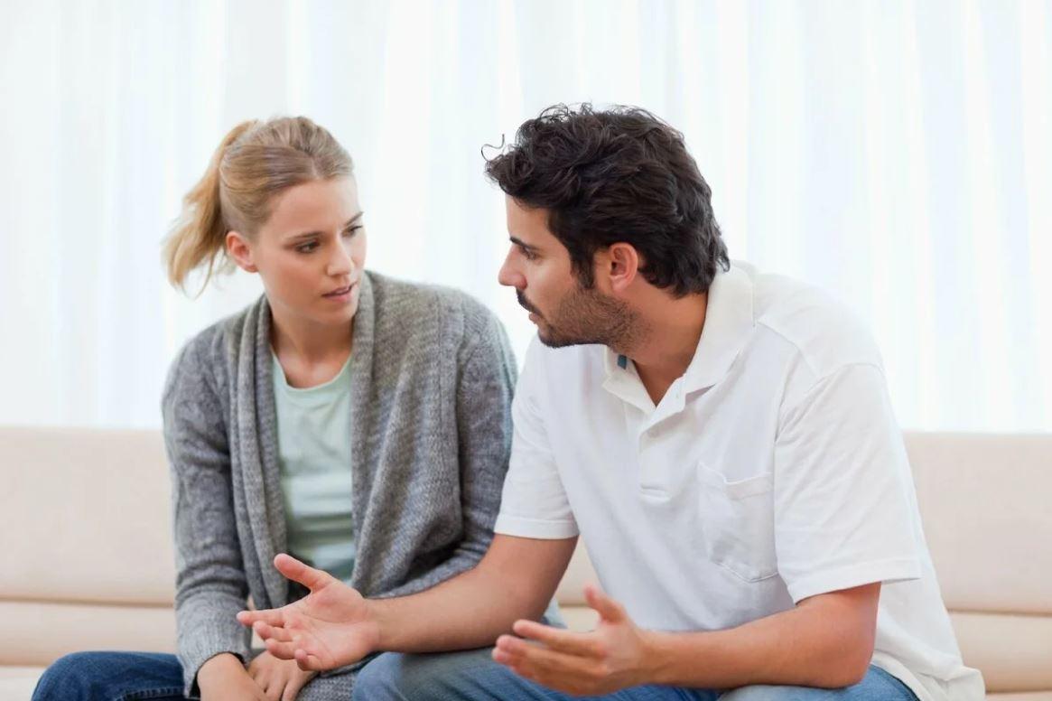 Муж категорически против, чтобы жена просила помощи с детьми у его мамы: «Все как-то справляются, и ты давай сама!»