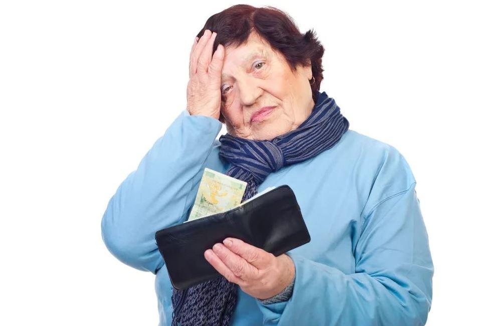 Нечаянно сломала ноутбук зятя: «Да я тебе новый куплю». А он не отказался и берет деньги у пенсионерки