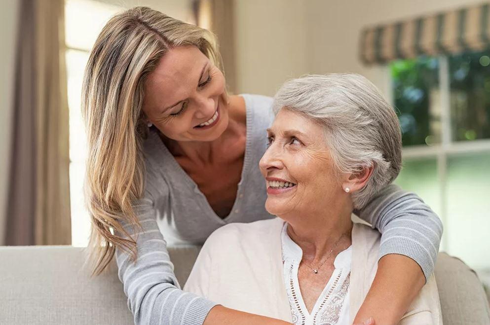 Не знает даже, сколько у нее пенсия: ее полностью содержит дочь
