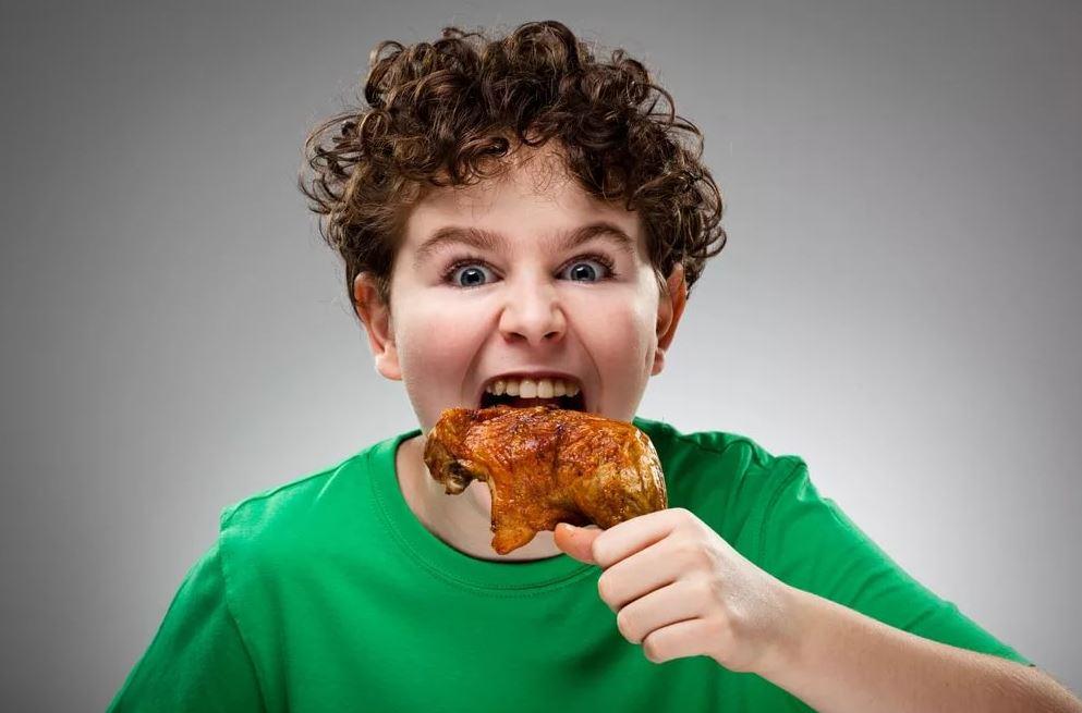Пожалела для внука лишнюю котлету: «Пусть ест макароны, гарнира ему побольше положи!»