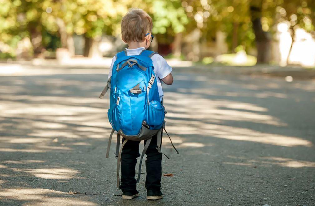 «Пусть один из школы ходит, он уже взрослый!» — сказала бабушка про внука-первоклассника