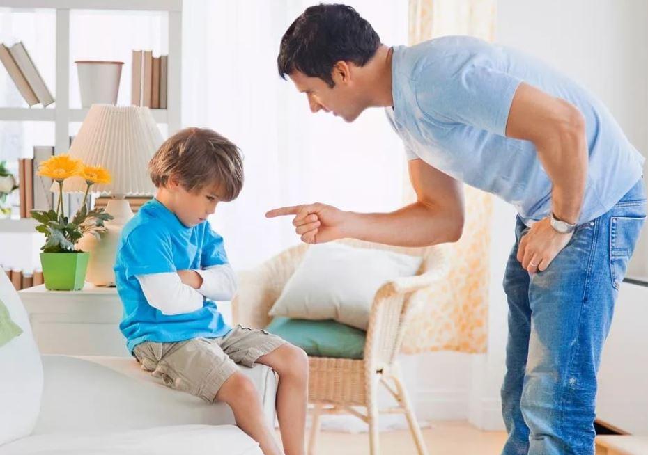 Сын звезд с неба не хватает. «Давай делать тест ДНК, у меня такого ребенка быть не может!» - заявил муж