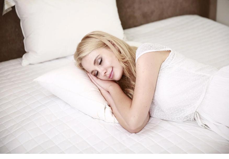 «Вместо того, чтобы спать днем с ребенком, найди подработку!» – ворчит свекровь