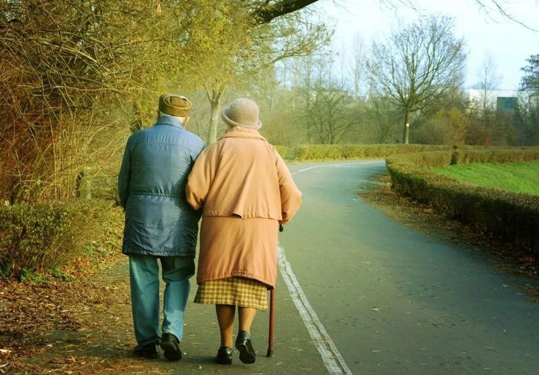 Сын сорит деньгами, но родители-пенсионеры просить у него материальной помощи не хотят: «Садиться на шею к сыну нельзя!»