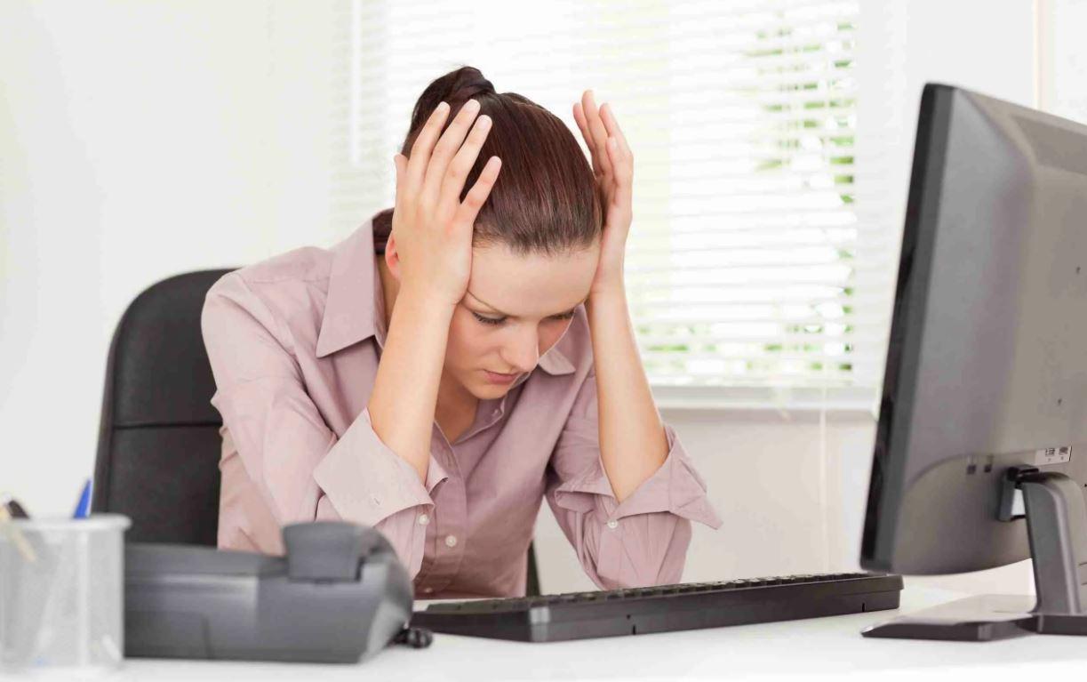 «Ты можешь работать только уборщицей!» – смеялся муж, а жена обогнала его в карьере. Теперь он требует уволиться и сидеть дома