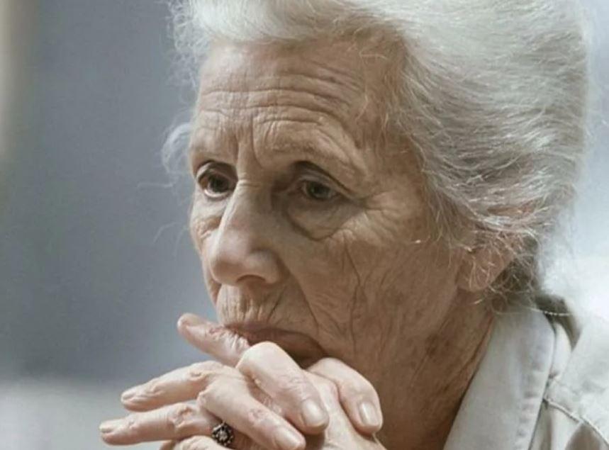 Внучки помогать бабушке не обязаны – пусть помогают дети