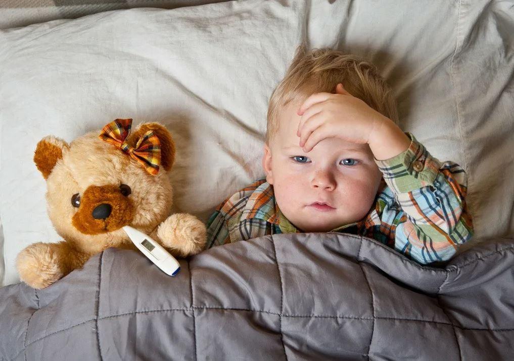 Внук в гостях заболел, вылечили сами. Невестка вне себя: «Почему мне не сказали и не вызвали врача?!»