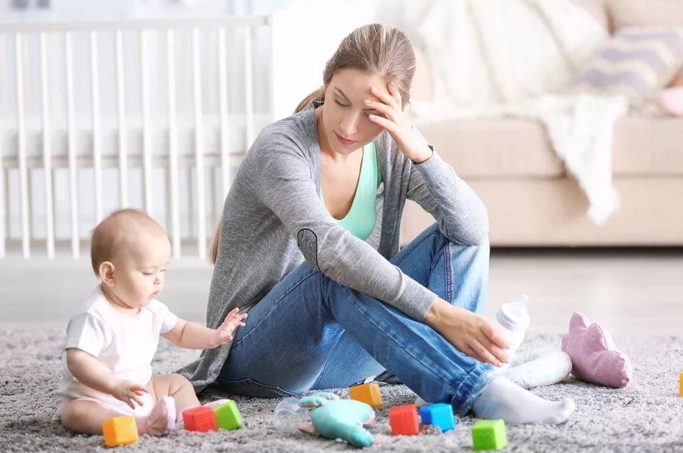 «Живем со свекровью, она не разрешает маму мою пригласить с ребенком помочь!» – жалуется недавно родившая невестка