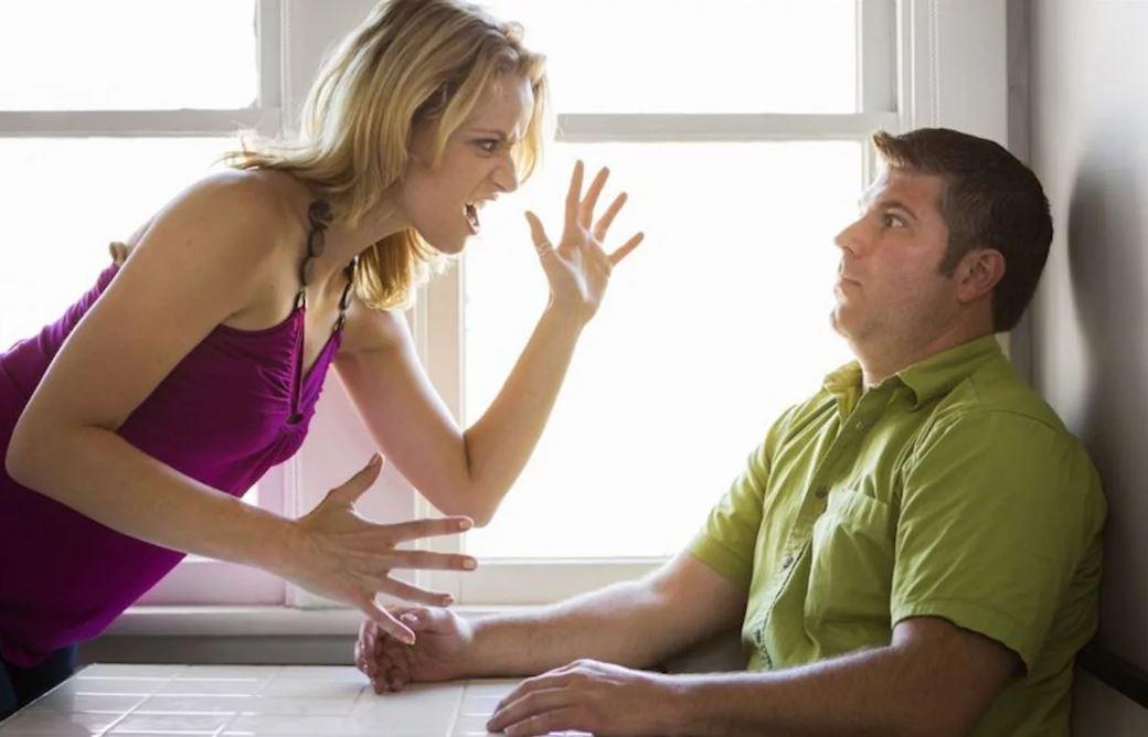 Живет с женой только ради ребенка: «Без меня эта истеричка испортит сыну психику!»