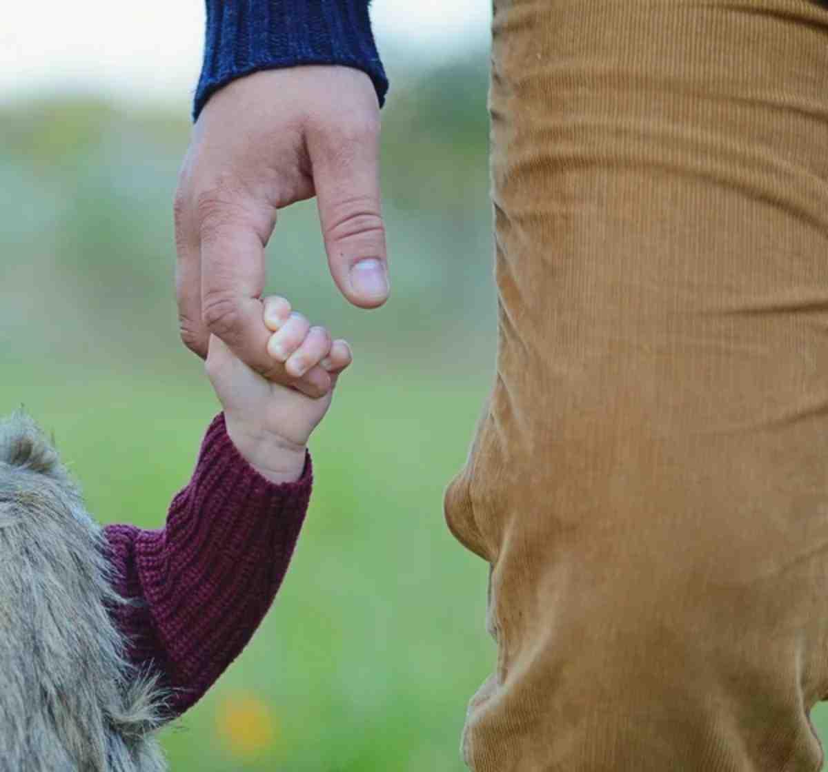 Узнал, что ребенок не его – и вычеркнул малышку из жизни?
